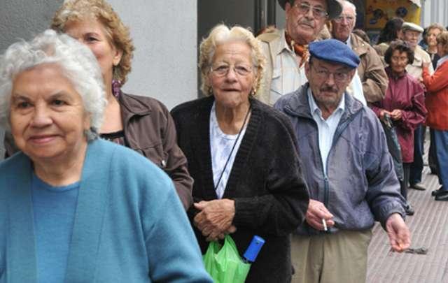Jubilados polimedicados deben enfrentar los costos de tratamientos (Foto: archivo)