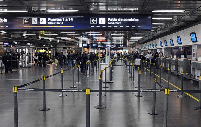 El paro provocó cancelaciones en cuatro vuelos.