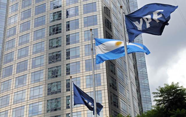 """El Gobierno ratificó en el exterior que nacionalizó YPF para """"evitar una crisis energética"""""""