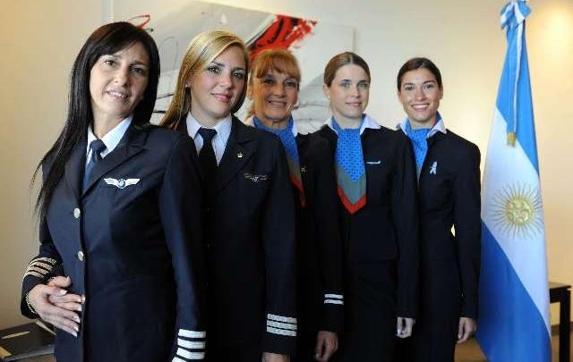 Azafata de aerolineas argentinas montada en mi pija httpslacuevadelpornoamateurblogspotcom - 1 9