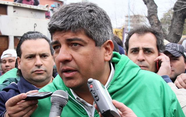 Moyano criticó a Mauricio Macri por el Impuesto a las Ganancias.