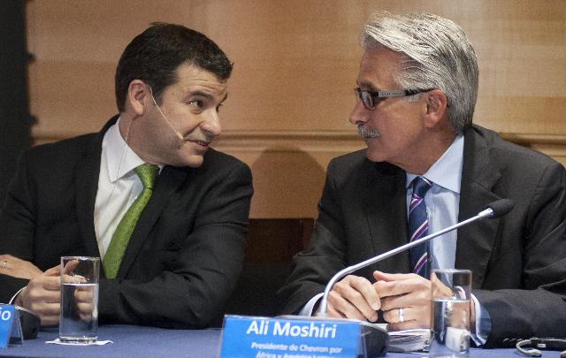 El CEO de YPF, Miguel Galuccio, y su par de Chevron, Alí Moshiri.