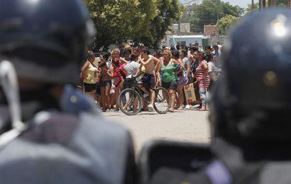 Los acuartelamientos de la Policía en 2013 habrían provocado saqueos en la ciudad.