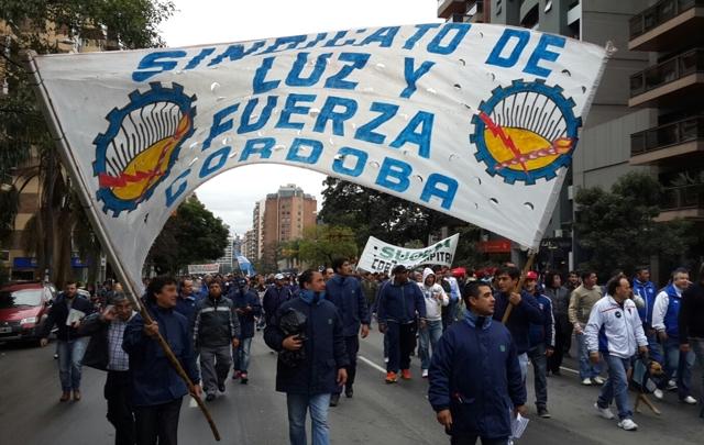 FOTO: La marcha complicó el tránsito en el microcentro.