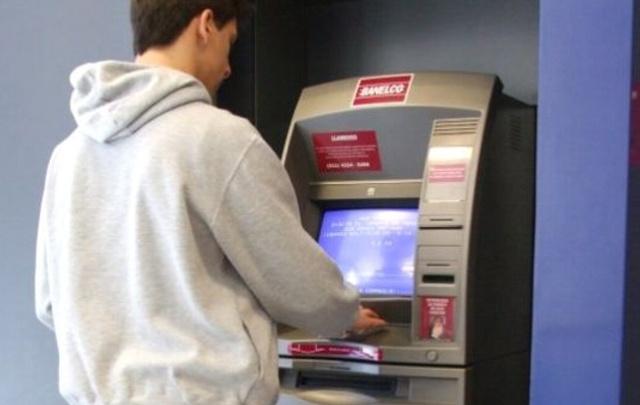 La demanda de efectivo crece el fin de semana ante la falta en cajeros.