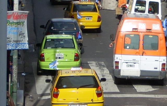 Rige el nuevo incremento de taxis en Córdoba.