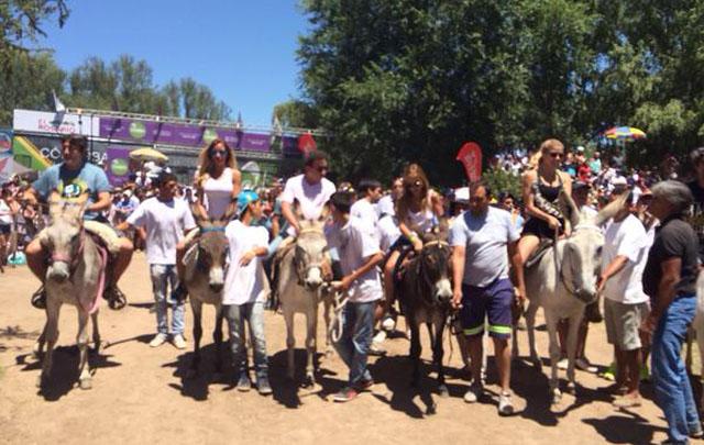 Celebridades en el Rally de Burros del 2015.