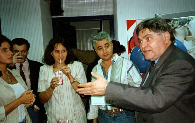 Compañeros de ayer y de hoy saludaron a Rony por los 31 años de Viva la Radio.