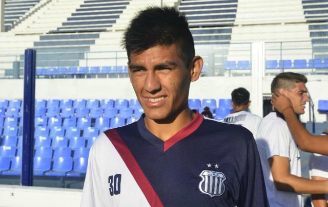 Araujo firmó por cuatro años y seguirá en Talleres (Foto: Corrientes Hoy)