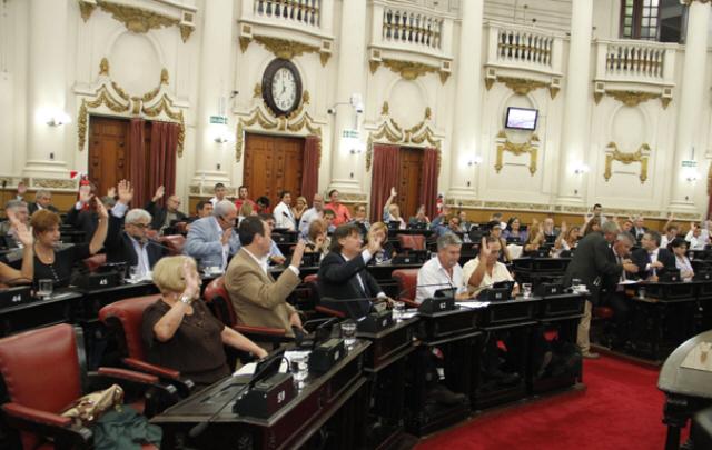 Se abre el debate por la reelección indefinida en Córdoba.