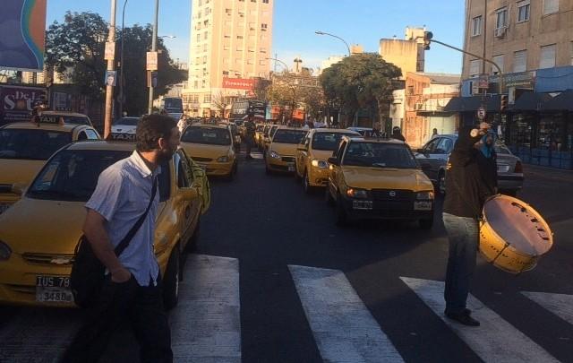 La tarifa de los taxis aumentará 26 por ciento (Foto: Archivo)