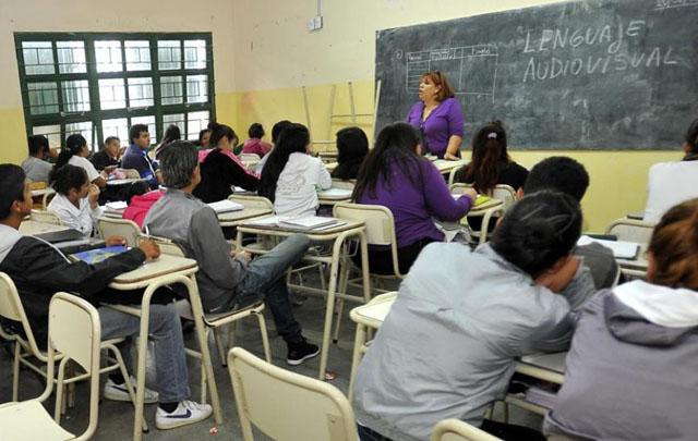 Aseguran que Argentina tiene el mayor ausentismo escolar del mundo.