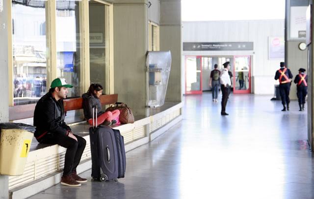 Pasajeros podrían ver afectado el servicio en las próximas horas (Foto: Archivo).