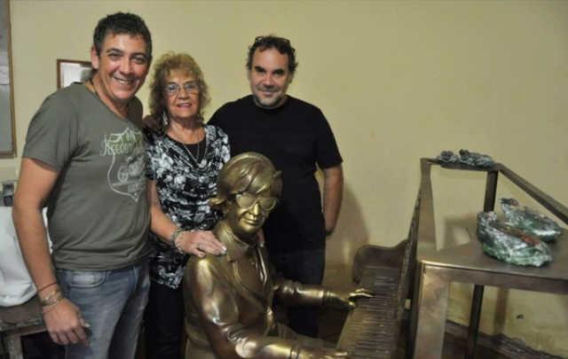La espectacular escultura que la Municipalidad inauguró en homenaje a Marzano.