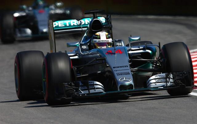 Hamilton acecha al líder Rosberg en la general.