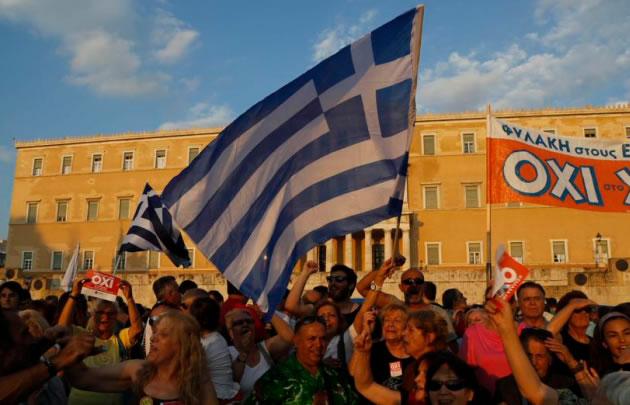 La sociedad griega se mantiene expectante a lo que sucederá.