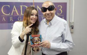 Agustina VIvanco y Mario Pereyra con el nuevo disco de La Mosca.