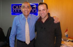 Mario Pereyra junto al cantor Esteban Riera.