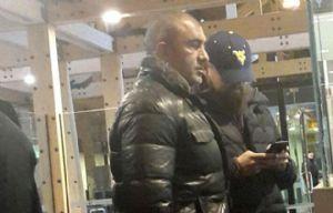 Leonardo DiCaprio quiso pasar desapercibido con su vestuario (Foto de @Feerca96)