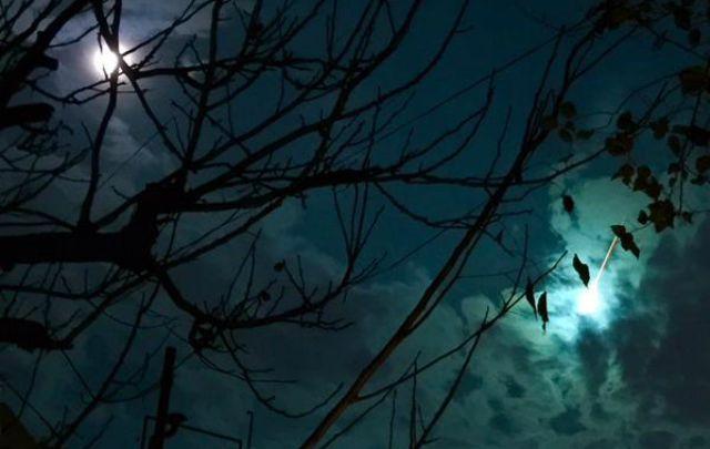 Una luz en el cielo causó inquietud en el centro del país (Foto: @enriquesacco)