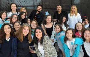 Los alumnos de la escuela Monseñor Scalabrini donaron cabello.