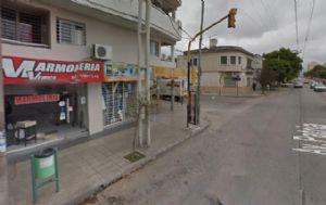 El hecho se produjo en el local ubicado en Patria y Garay (Foto: Google Street View)