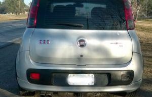 El vehículo de Karina sufrió daños parciales en el paragolpes trasero.