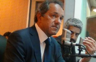 Daniel Scioli durante su visita a Juntos.