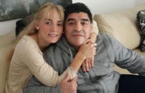 Oliva promocionó un rolex que le regaló Maradona, y Ojeda salió al cruce.