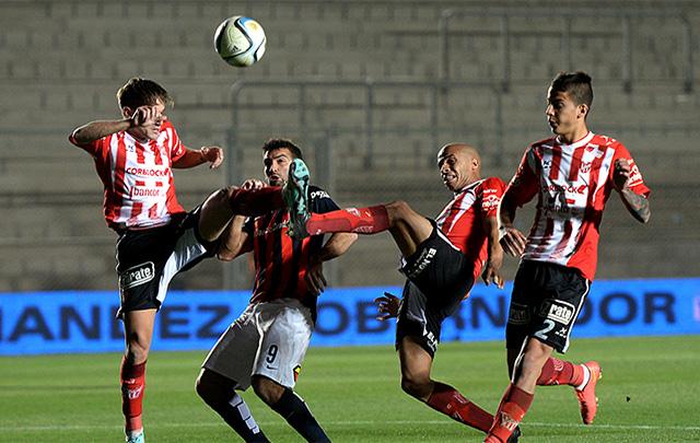 San Lorenzo avanzó a octavos de la Copa Argentina tras vencer a Instituto.