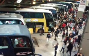 El fin de semana largo comenzó a palpitarse en la Terminal (Foto: Archivo)