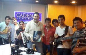 Los Diableros Jujeños con sus músicos en Cadena 3.