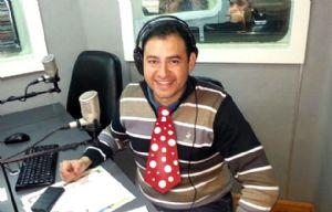 Raúl Monti, a favor del uso de la corbata.