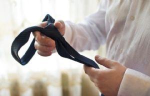 El uso de corbata para rendir, cosa del pasado en Derecho.