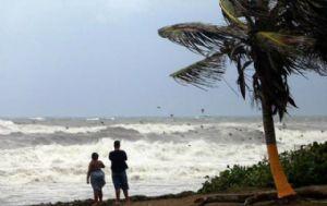 Florida se prepara para el arribo de la tormenta tropical ''Erika''.