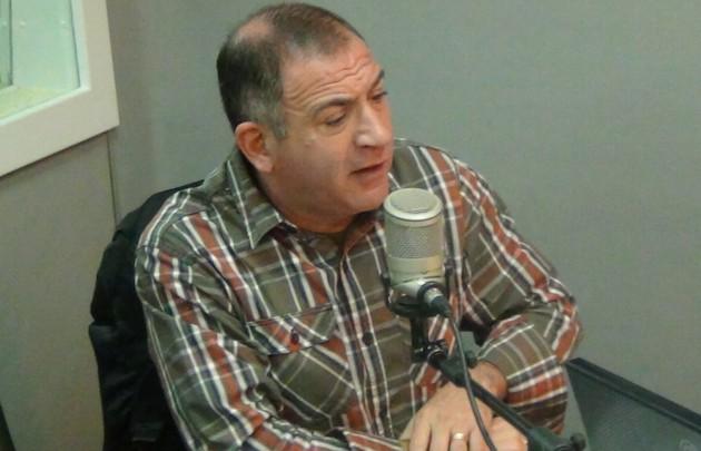 Luis Juez se sometió al ping pong de preguntas y respuestas.