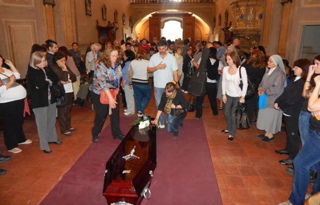 Sigue la conmoción en Alta Gracia por el crimen del padre Luis.