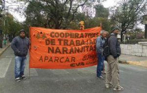 Naranjitas protestan en las calles de Córdoba.