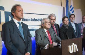 Scioli valoró el momento del mercado interno en el brindis de la UIA.