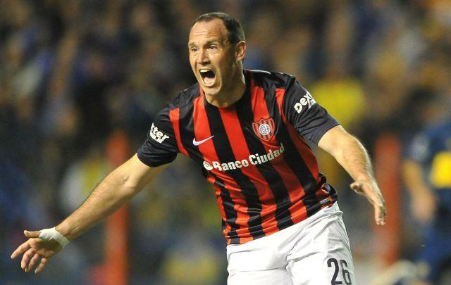 Mauro Matos aprovechó un error de Boca y le dio el triunfo al