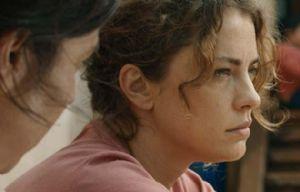 Dolores Fonzi fue reconocida en Francia por su papel en La Patota.