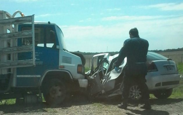 Las víctimas fatales se conducían en un Fiat Palio.