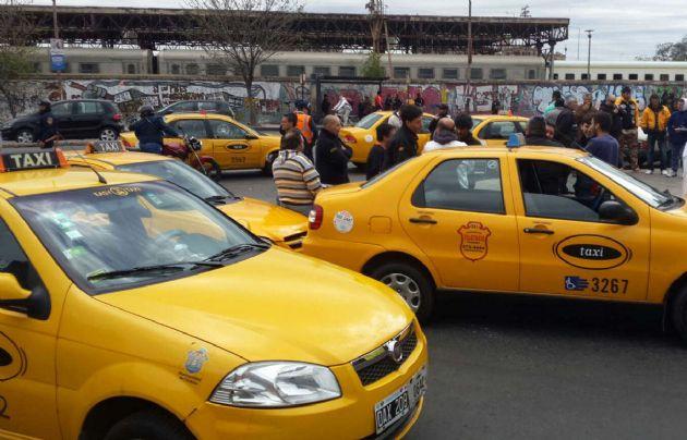 """Los taxistas realizarán un paro """"a la japonesa"""" en Córdoba."""