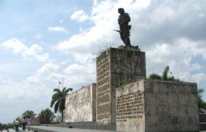 El Mausoleo donde descansan los restos del Che Guevara.