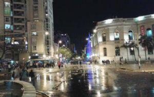 Incidentes durante el banderazo de Talleres (@javiersassi).