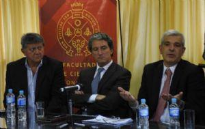 Dirigentes kirchneristas participaron de una charla en la UNC.