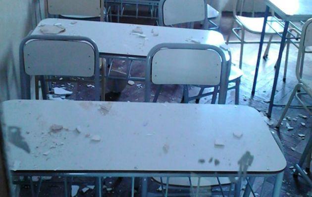Tres alumnas golpeadas por la caída de mampostería en un colegio de Córdoba.