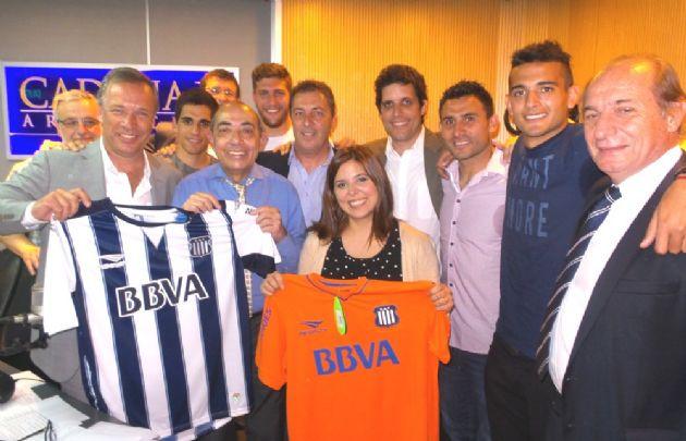 Parte del plantel de Talleres campeón visitó ''Juntos''.