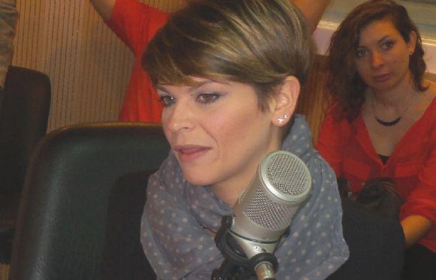 La joven artista italiana contó que comenzó a cantar con su madre.