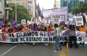 Volvieron a marchar por #NiUnaMenos en Córdoba.